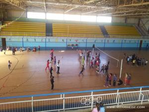 Tlemcen, Volley Ball à la Salle Benmansour
