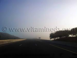 Autoroute Est Ouest dans le brouillard du coté de Yellel
