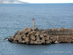 Port d\'Azeffoun, balise