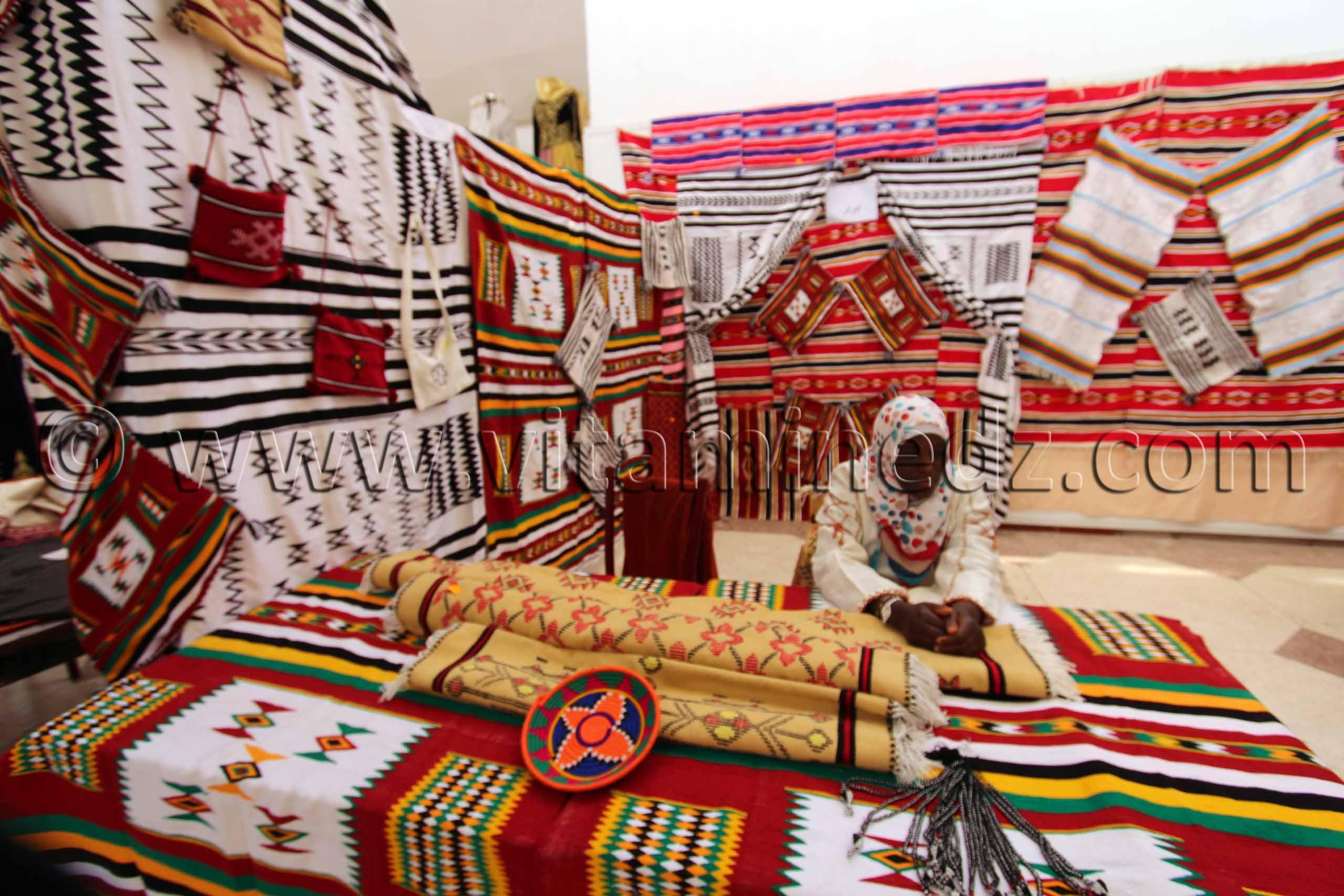 Tapis et artisanat de timimoun foire nationale de la for Artisanat pernambouc bresil