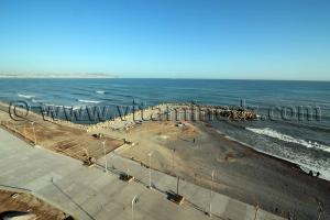 Vue d'Alger et petite plage de l'hotel Adghir - Bordj El Kiffane