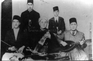 Tlemcen - Musique andalouse - Cheikh Larbi Bensari et son fils Redouane