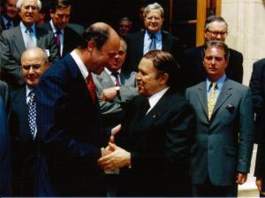 Le président Bouteflika avec Laurent Fabius