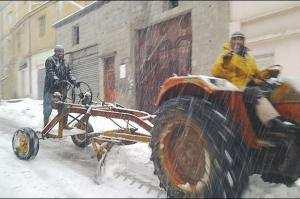 ARRÊT SUR IMAGE: Vu à Aïn El-Kebira (Sétif) Chasse neige traditionnel