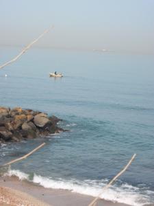 fort de l'eau verte rive et la mer
