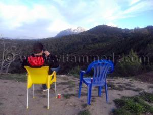 Un café face aux chaines montagneuse d\'El Wanchariss