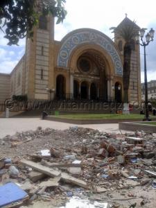 Demolition du kiosque de la cathédrale à Oran