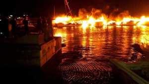 Incendie au port de plaisance de Sidi Fredj