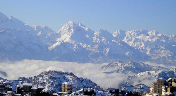 Alg rie les montagnes de la kabylie orn es par la neige for Haute kabylie