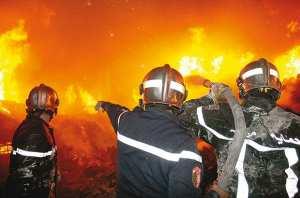 Alg�rie - LES PICS DE CHALEUR PERSISTERONT JUSQU�� SAMEDI PROCHAIN.  Canicule: six d�c�s et des �vacuations par centaines
