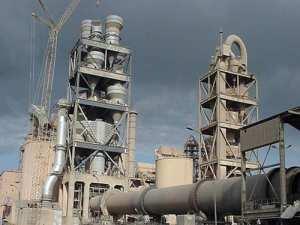 Oued Sly (Chlef) - La cimenterie génère des tonnes de poussière