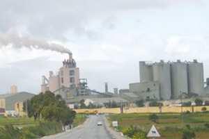 """LE P/APW D'AÏN TÉMOUCHENT À PROPOS DE LA POLLUTION INDUITE PAR LA CIMENTERIE DE BÉNI-SAF """"Nous aurions pu fermer l'usine"""""""