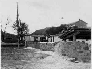 Ferme Martin en 1959 BT 3éme section foyer au fond KAIS
