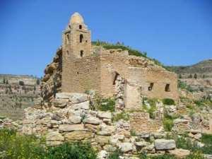 taberdga mosque en ruine du temps de la guerre