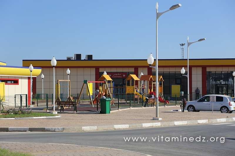 Autoroute Est Ouest - Aire de repos et de jeux pour les enfants à la Nouvelle Station Tamesguida, non loin de Blida
