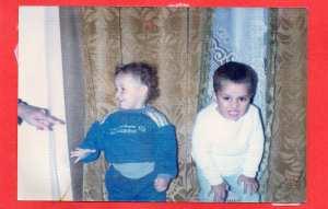 mon fils hakim à droite et et son frere mourad djaffel à gauche il y 24 ans de cela