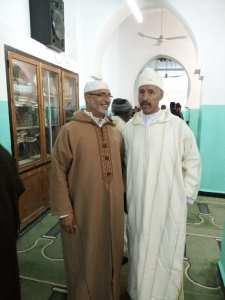 a l'intérieur de la Mosquée Sidi El Hadj Ben Ahmed à kénadza lors du Mawlid ennabaoui Echarif 2016 sur la photo M.Bensaidi Mostéfa et le Dr Yarfaa Med.