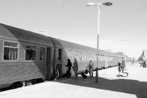 Train Chlef - Alger: Les passagers grelottent de froid dans des compartiments délabrés