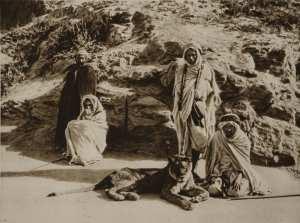 Les Algériens de l'époque.