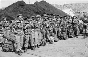 Début 1956, arrivée à Philippeville, direction le port de La Calle, frontière tunisienne.