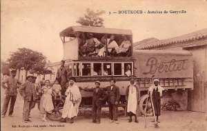 Ancien bus reliant Geryville (El Bayadh) à Bougtob
