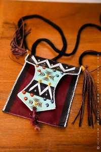 Artisanat Touareg (Porte monnaie pendentif)