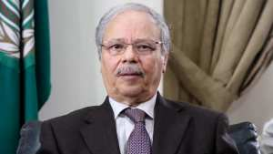 من هو الدبلوماسي الجزائري بن حلي؟