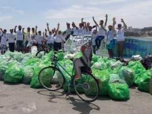 Annaba - Khaled Boudebouz. Membre du club Green Bike . Notre objectif: Une Algérie propre