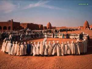 Chants en choeurs appelé Ahalil de la région du Gourara, à Timimoune, Sahara algérien.
