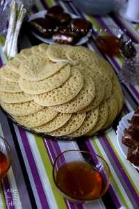 Baghrir au miel de Tlemcen