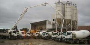 Station de production du béton prêt à l'emploi