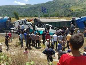 Plus de 20 morts dans un accident à Lakhdarya