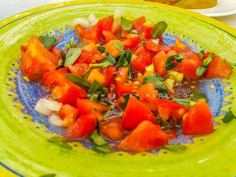 Salade de tomate au pourpier et huile d'olive