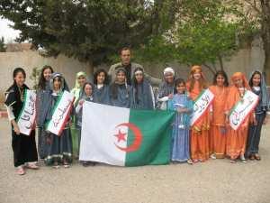2010 - L'enseignent Boudjelal avec ses éleves d 5 année - école salah nezzar cité kechida