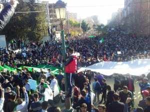 Tlemcen : Marche contre le 5eme Mandat de Bouteflika