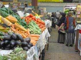اسعار الخضر والفواكه تعرف ارتفاعا محسوسا في الآونة الاخيرة