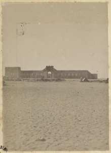 Colonne du capitaine Pujat chargé de la construction du Fort Lallemand : vue du fort] (Photo rare)