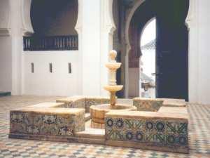 Sahn (Patio) avec khassa (jet d'eau) de la Mosquée Sidi Boumediene de Tlemcen