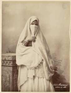 Mauresque en costume de ville (Photo rare)