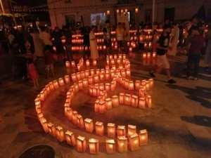 احتفال سكان مدينة الدار البيضاء بالجزائر بعيد الاستقلال