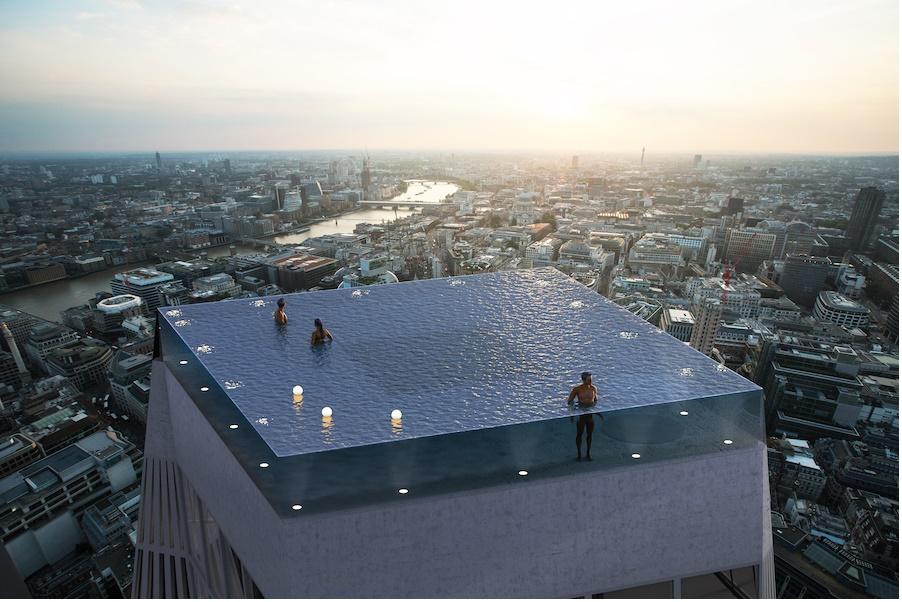 Une piscine sur le toit d'un gratte-ciel à Londres