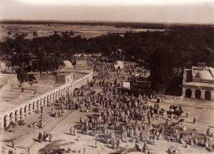 السوق الاسبوعي لمدينة الاغواط حوالي 1925