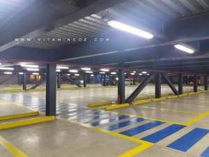 Parking géant du centre commercial Essenia