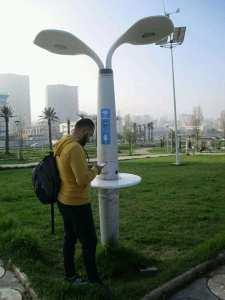 جهاز لشحن البطاريات في وهران ذو كهرباء تتولد من الطاقة الشمسية