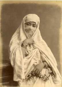 أصالة لباسنا التقليدي الجزائري ( الحايك )