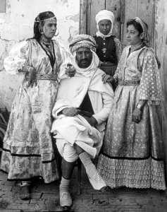 عائلة جزائرية ، تبسة سنة 1935.