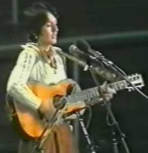 Joan Baez était venue faire un récital à Alger, salle Harcha en 1977.