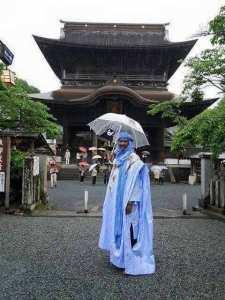 باللباس التارقي الجزائري في اليابان