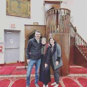 فتاة كندية تعتنق الإسلام بمسجد باش جراح