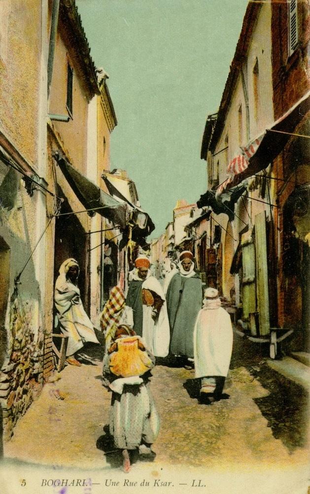 Algeria_boghari_une_rue_du_ksar_1909